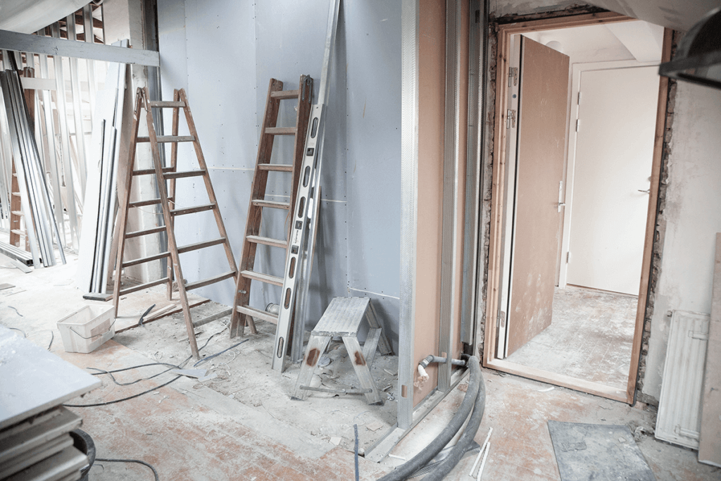 What home renovators need to know about living through a renovation